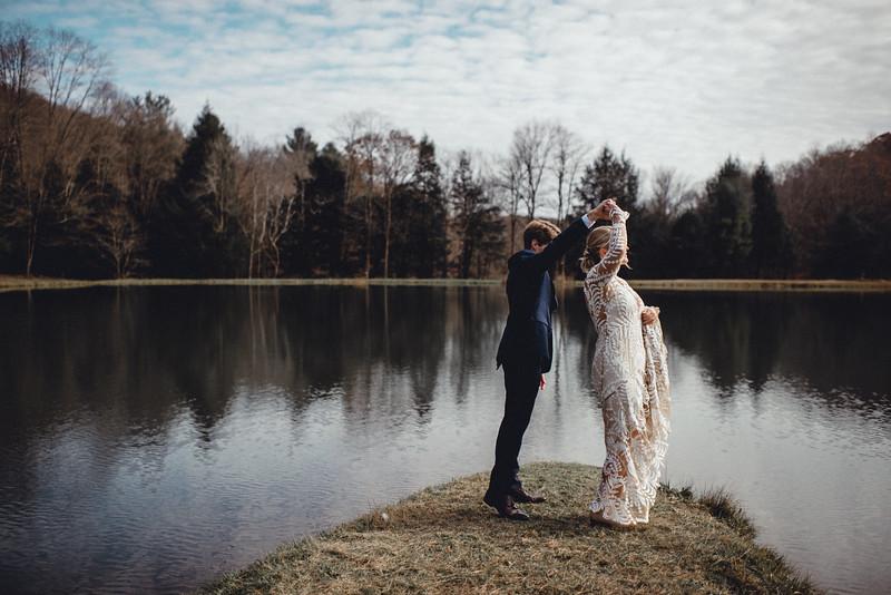 Requiem Images - Luxury Boho Winter Mountain Intimate Wedding - Seven Springs - Laurel Highlands - Blake Holly -682.jpg