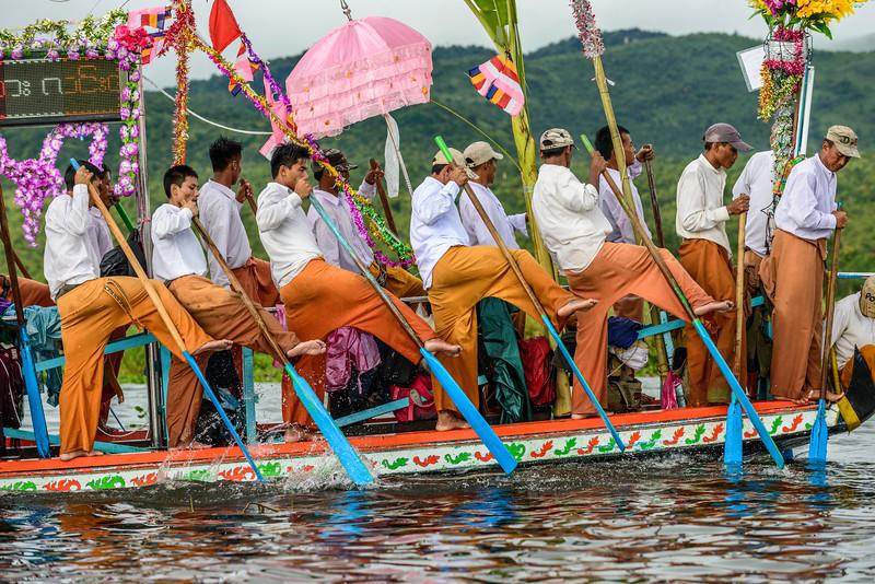 Inle Lake festival rowers.jpg