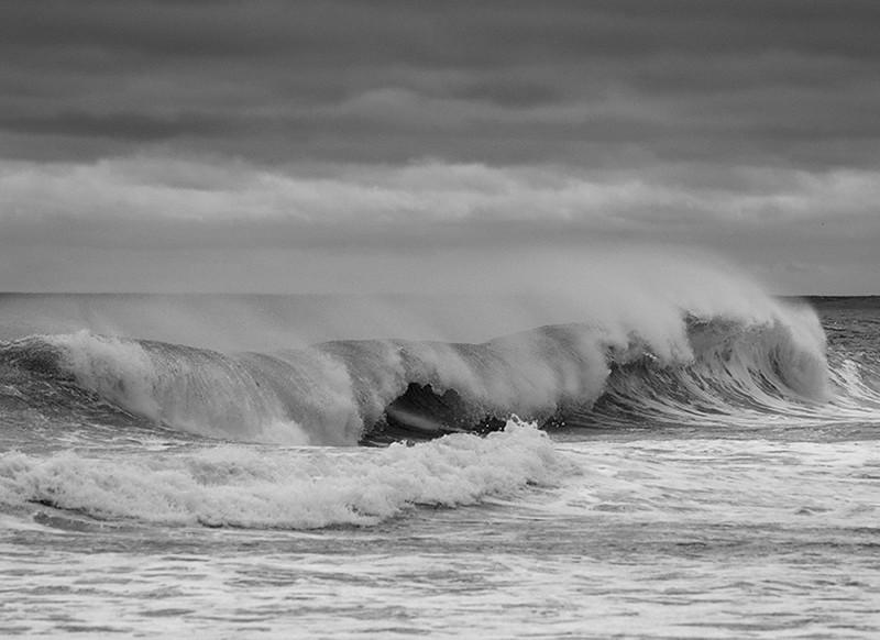 waves:b:w.jpg