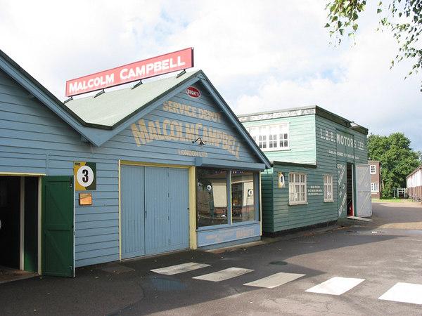 Malcolm Campbells garage at Brooklands.