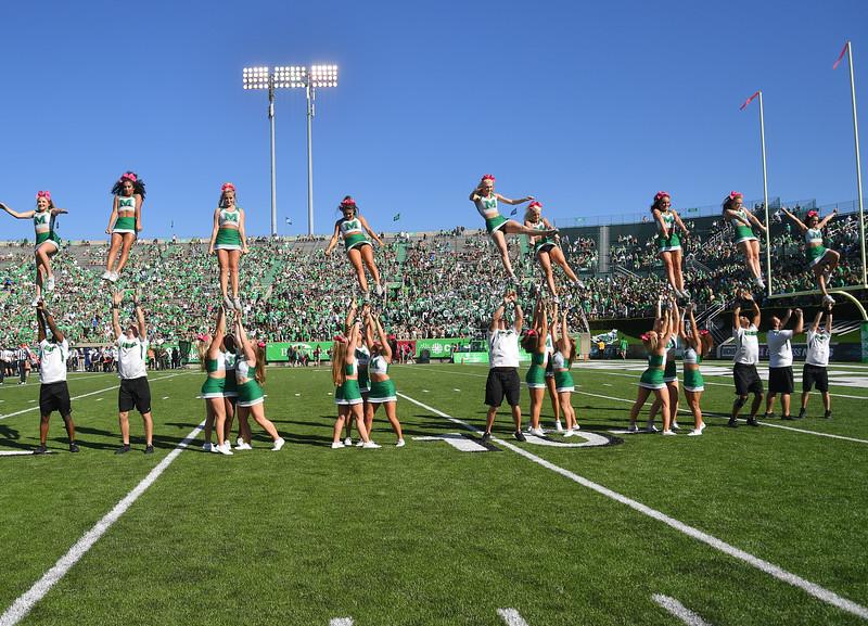 cheerleaders0615.jpg