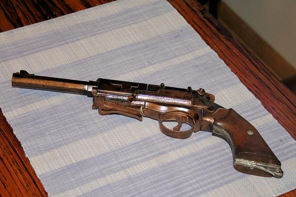 Mal's Firefly Pistol