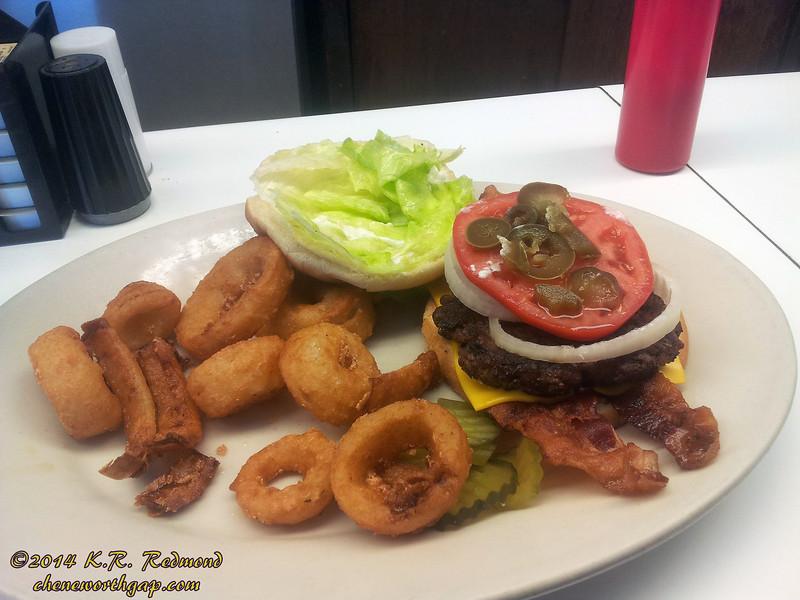 Scotties' Bacon Jalapeno Cheeseburger