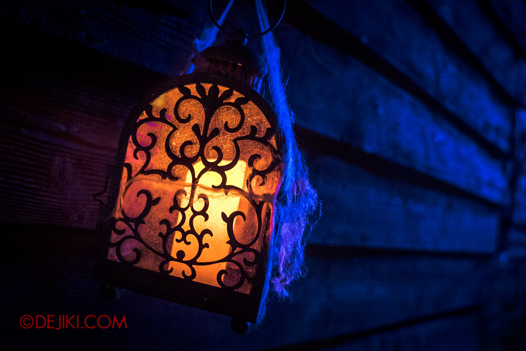 Halloween Horror Nights 6 - Salem Witch House / Candle Lantern