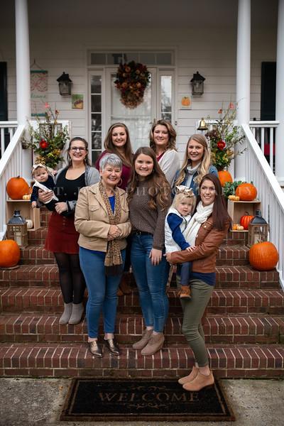 2019 November Ellis Family-205-157.jpg
