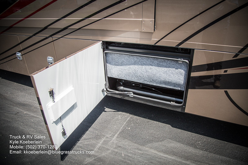 R0034 2020 Renegade Verona LE 40LRB-34.jpg
