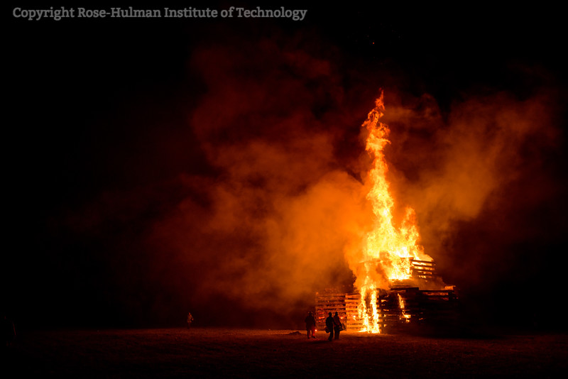 RHIT_Homecoming_2017_BONFIRE-21614.jpg