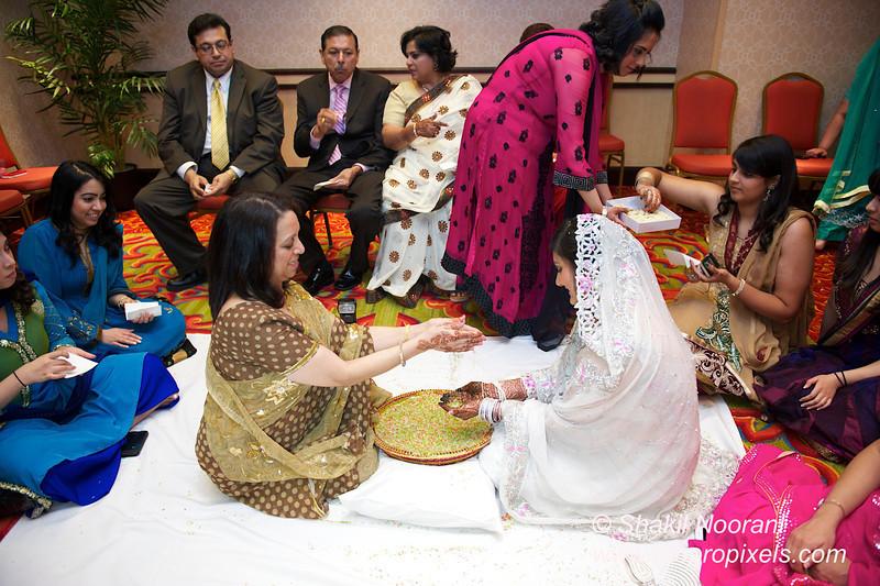 Naziya-Wedding-2013-06-08-01930.JPG