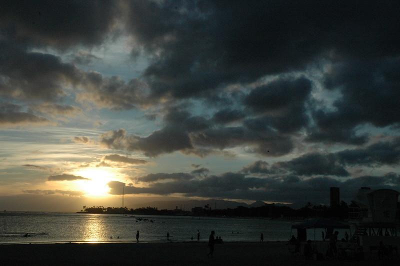 Hawaii - Ala Moana Beach Sunset-11.JPG