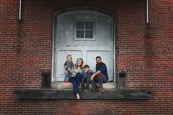 Dye Family Portraits_Downtown Salisbury, MD