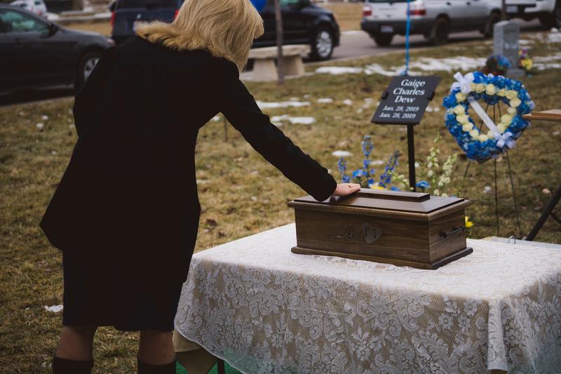 baby dew funeral-254.jpg