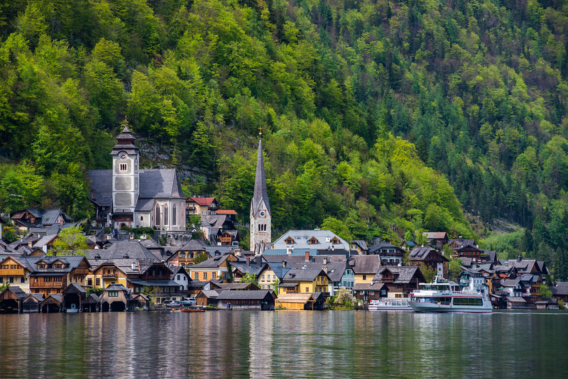 Hallstatt-and-ferry-1.jpg