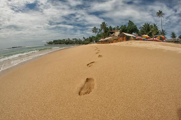 beach footprints.jpg