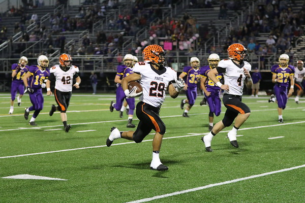 09a Football:  Wheelersburg at Valley 2017:  FIRST Quarter
