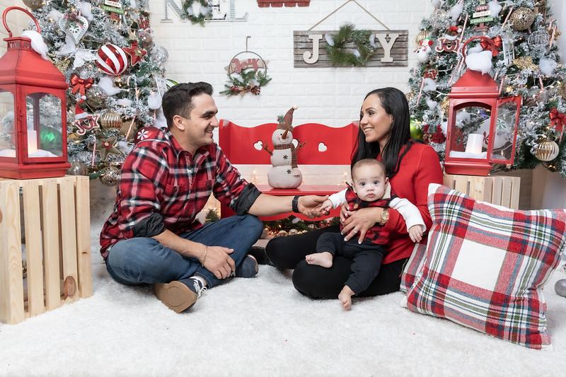 12.24.19 - Adriana's Christmas Photo Session 2019 - -14.jpg
