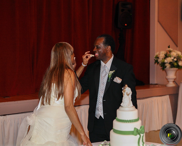 Toast and Cake Cutting Gallery