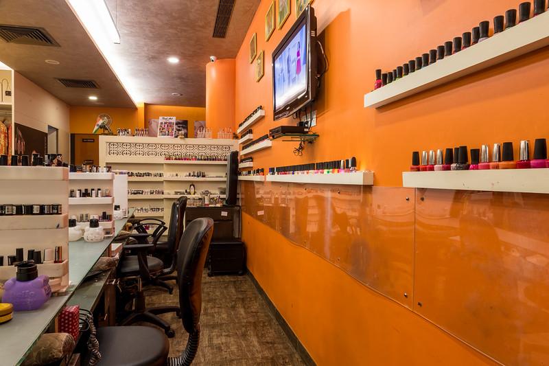 Nishi Nails Interior-35.jpg