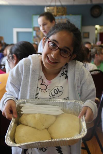 kars4kids_thezone_camp_girlsDivsion_activities_baking (37).JPG
