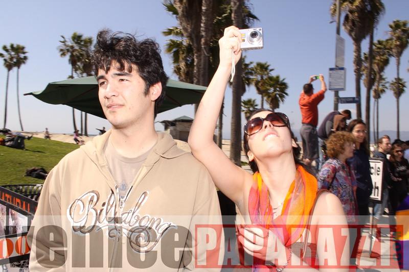 2009 L.A. URBAN IDITAROD ON THE VENICE BEACH BOARDWALK.