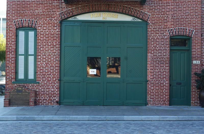 Firehouse006-FrontCloseUp-2006-11-13.jpg