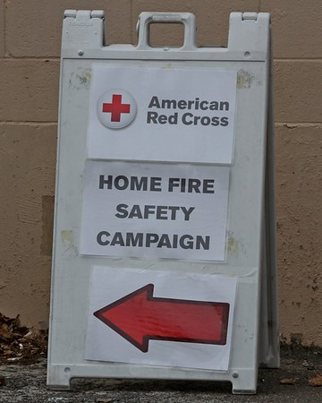 Red Cross & HFD install smoke detectors