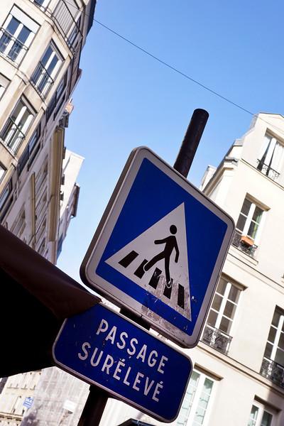 Paris street sign 00073.jpg