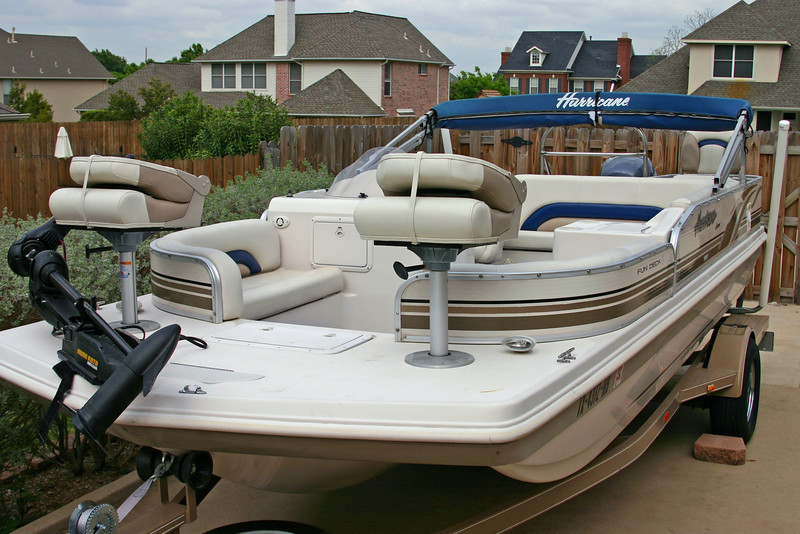 Hurricane Deck Boat 198R with all seats installed and trolling motor attached