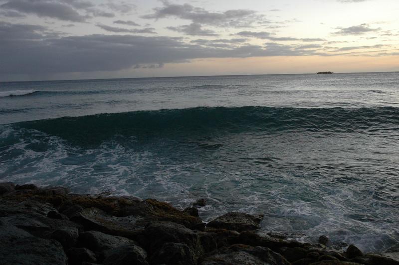 Hawaii - Ala Moana Beach Sunset-182.JPG