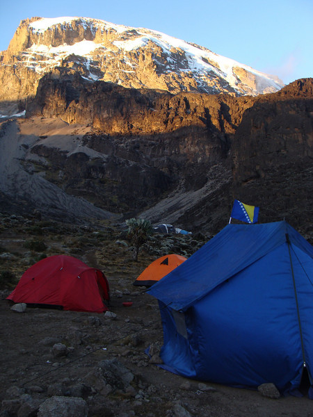 The weather is still good. Barranco Camp - 3960 m