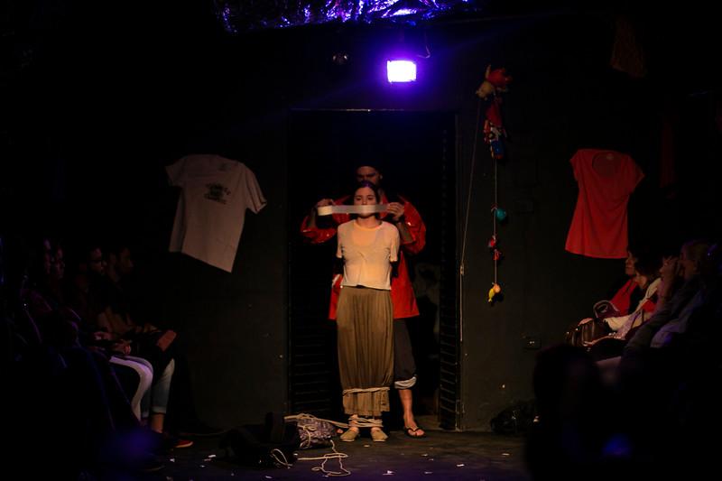 Allan Bravos - Fotografia de Teatro - Indac - Migraaaantes-353.jpg