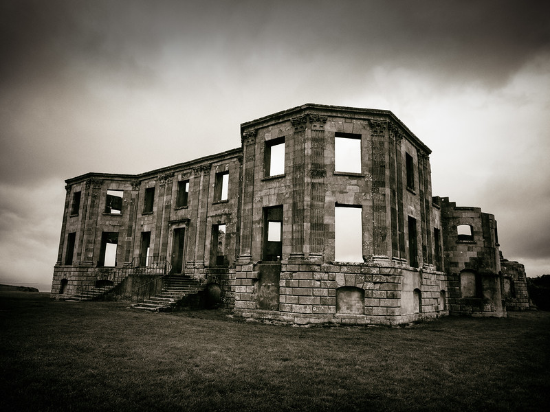 Downhill House (1)