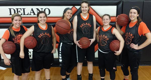Delano Tigers Girls Basketball 2016-17