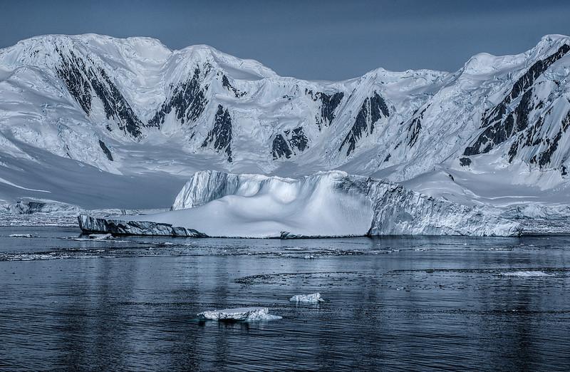 crossing antarctic circle 79-Edit.JPG