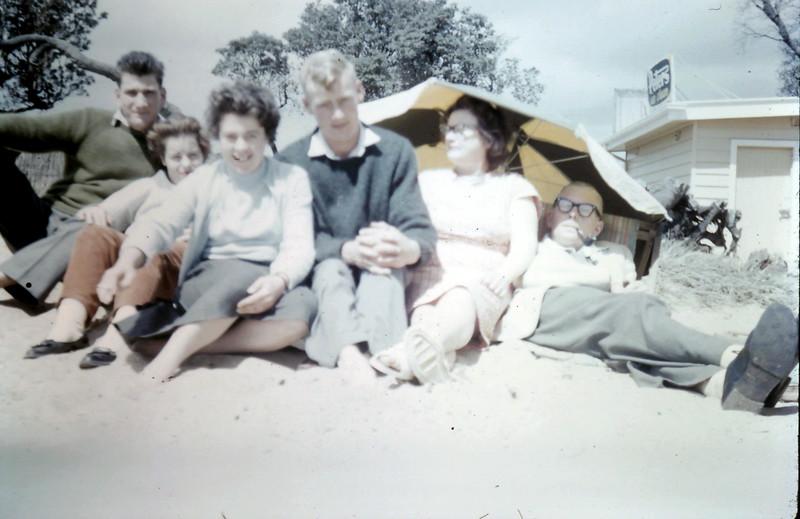 1960-11-6 (12) Nigel, Rosie, Mary, Graham, Mrs & Mr Astfalck.JPG