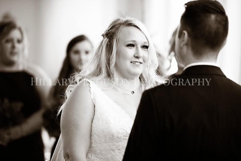 Hillary_Ferguson_Photography_Melinda+Derek_Ceremony073.jpg