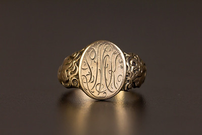 Victorian Engraved Gold Signet Ring