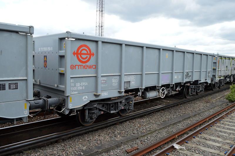 JNA 81.70.5500058-9 seen at Clapham Jct on 6o72 Colnbrook-Tonbridge  29/04/17