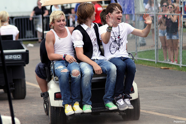 Ross Lynch & R5: 2012 New Jersey Balloon Festival (Volume Nine)
