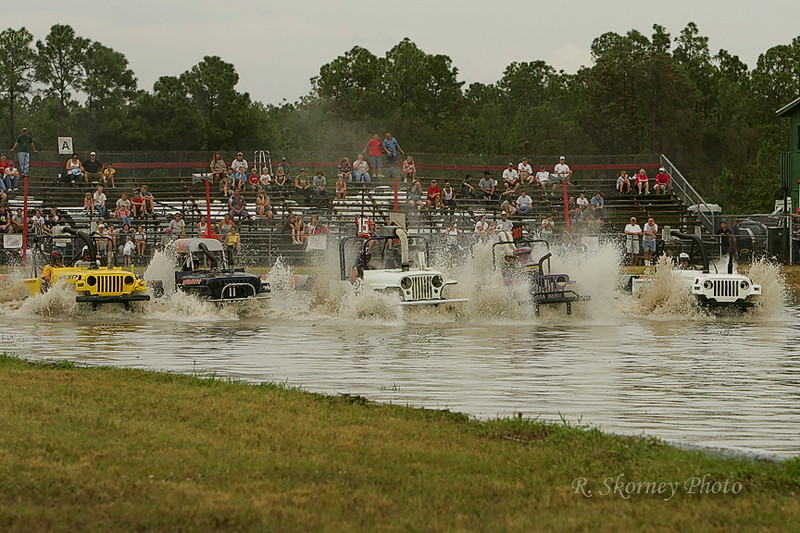 Swamp Buggy Race 10-27-07-9185-Edit.jpg