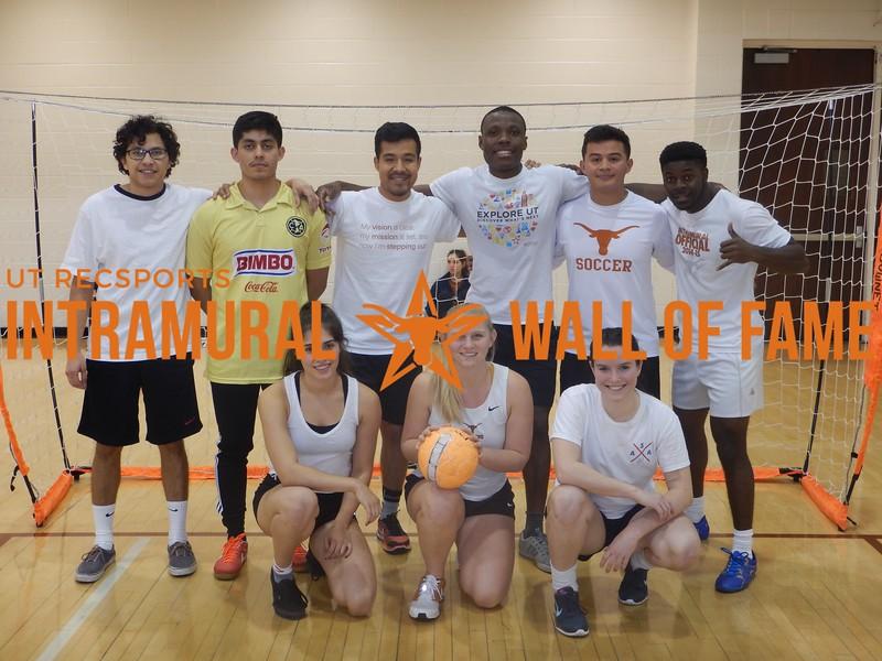 Fall 2016 Indoor Soccer Coed A Champ_El Chocolatao y La Familia