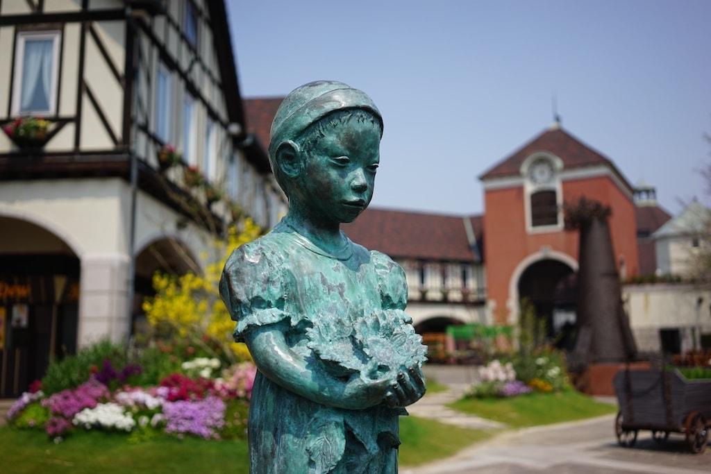 Child statue at Nunobiki