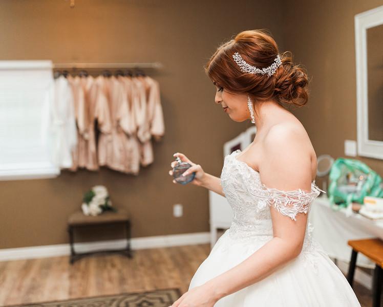 Alexandria Vail Photography Wedgewood Fresno Wedding Alexis   Dezmen214.jpg