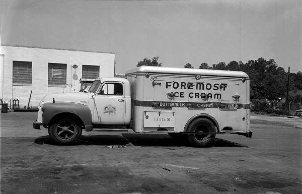 foremost dairy  1955.jpg