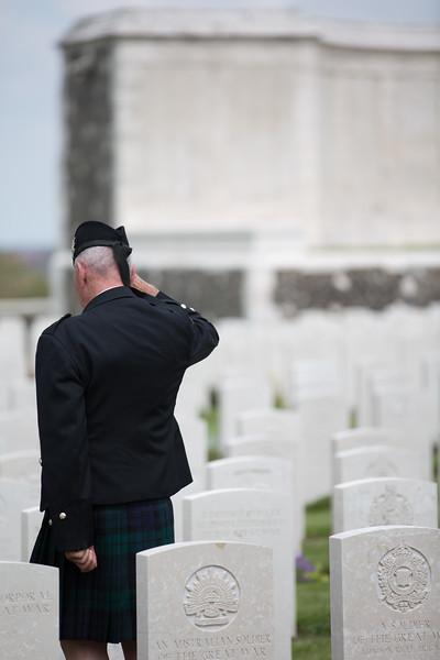 Ypres Tyne Cot Cemetery (55 of 123).jpg
