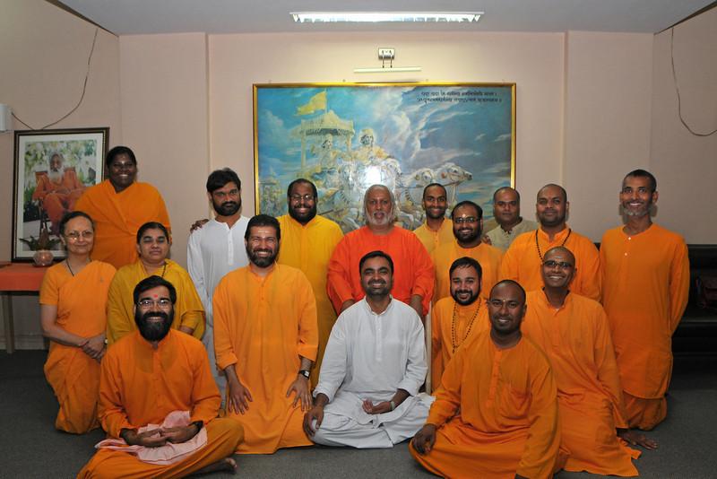 12th Batch Alumni meeting at Sandeepany with Aacharya Swami Ishwaranandaji. Chinmaya Mission, Powai, Mumbai, MH, India.