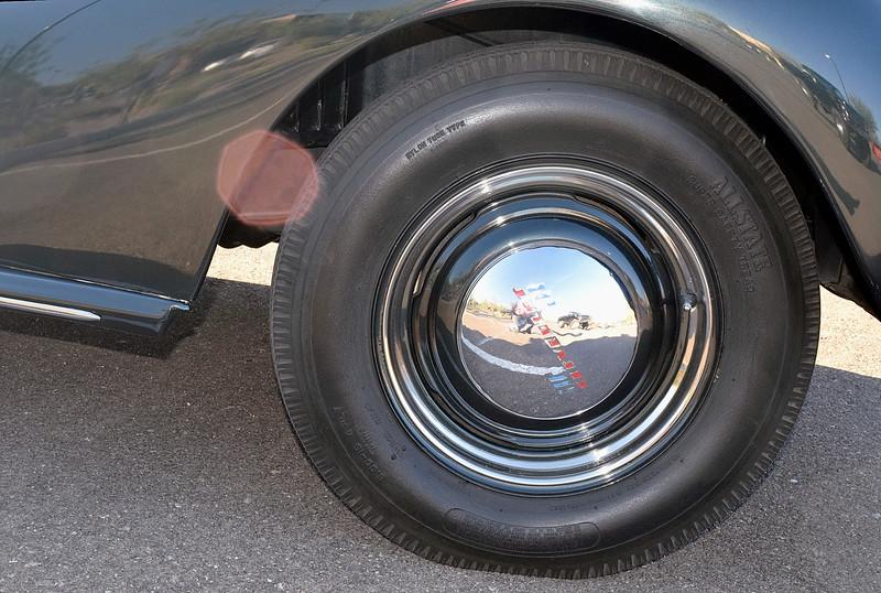 Chevrolet 1939 Master Deluxe Business Coupe wheel.JPG