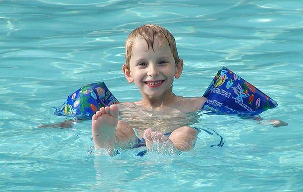 02080401 Josh in pool.jpg