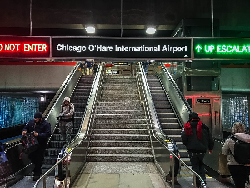 how to get from midway to o'hare airport