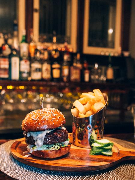 warrington blue cheese burger 4.jpg
