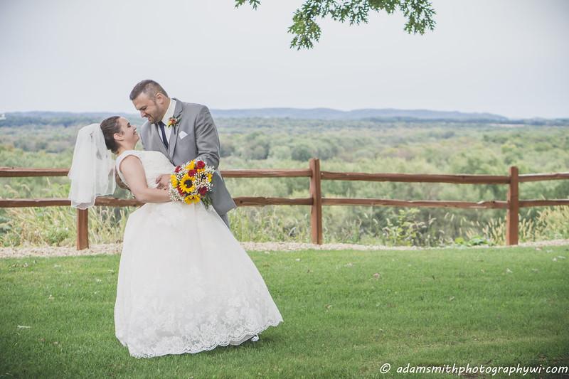 Jess_Jason_fall_wedding_wisconsin_preview-8.jpg